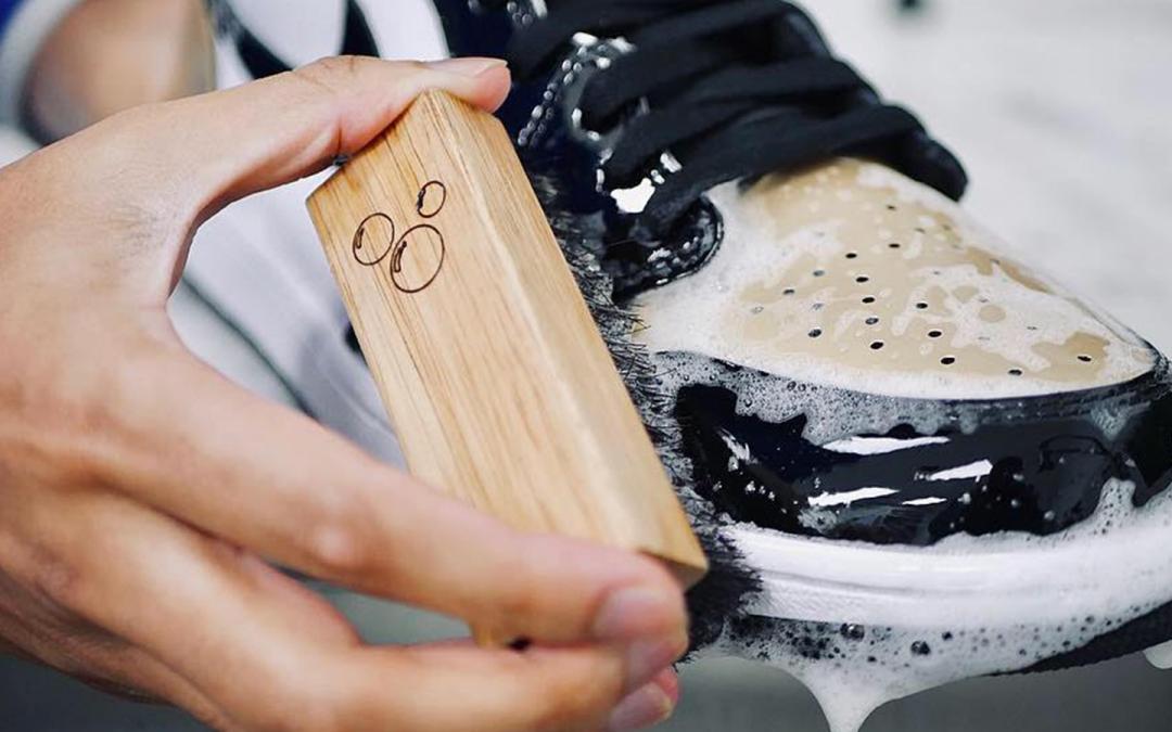 Agar Sepatu Tetap Awet dan Bersih, Lakukan Tips ini di Rumah